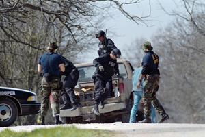 Les forces de l'ordre à Waco, au Texas, le 12 mars, quelques semaines avant l'assaut.