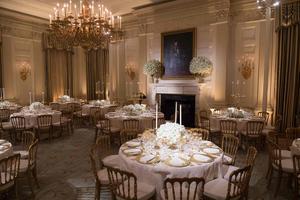 La table où dîneront les présidents français et américains, mardi soir.