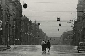 Le photographe soviétique Vsevolod Tarasevich, disparu en 1998, est exposé à la Photo Biennale de Moscou 2018. Sa «Street Photography» témoigne du dégel russe, de la mort de Staline jusqu'aux prémices de la perestroïka.