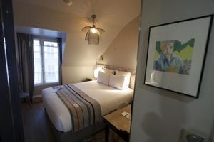 Une chambre de l'hôtel littéraire Marcel Aymé
