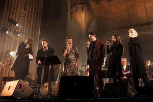 De nombreux artistes ont rendu hommage au chanteur canadien.