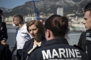La ministre de la Défense Florence Parly sur une frégate de la marine française, une semaine après les frappes françaises menées en Syrie.
