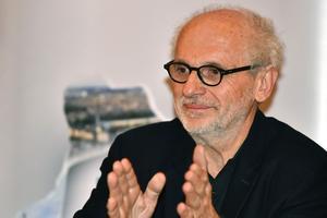 Norbert Fradin lors de la conférence de presse annonçant la venue de l'exposition Claude Monet à l'inauguration de son musée.