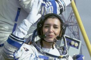 Claudie Haigneré, avant sa deuxième mission spatiale en 2002.