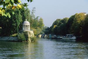 L'ile de la Jatte avec le temple de l'Amour (92).