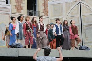 Le chœur d'enfants de l'Opéra de Paris.