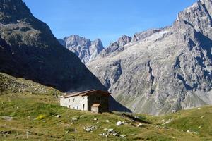 Le refuge de Chamoissière est situé à 2106 m d'altitude.
