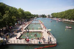 Baignade au bassin de la Villette (XIXe)