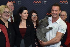 Les chercheurs qui ont décrypté le génome du koala ont donné une conférence de presse à Sydney pour présenter leurs résultats.