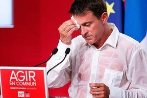 Manuel Valls lors de son discours à La Rochelle en 2005
