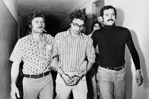 En juin 1974, Christian Ranucci à la sortie de sa garde à vue, après ses aveux.