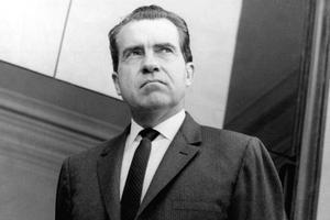 Richard NIxon: ce virtuose de la politique qui réforma et modernisa en profondeur son pays chuta sur une affaire de pieds nickelés, le Watergate.