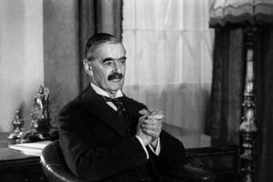 Arthur Neville Chamberlain premier ministre anglais, ici vers 1938.