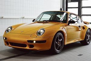 <b>PORSCHE 911 TURBO.</b> Fabriquée par le département Classic du constructeur allemand avec un stock de pièces neuves, cette copie d'un modèle de 1998 ne préfigure pas la réédition d'une série. L'enthousiasme manifesté par les amateurs lors de sa présentation à Pebble Beach pourrait toutefois encourager Porsche à s'engager dans cette voie.
