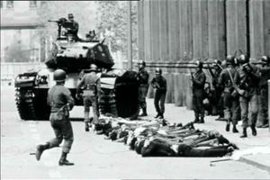Le 11 septembre 1973 à Santiago lors du coup d'État militaire chiliene.