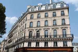 Un bâtiment haussmannien, typique des beaux quartiers parisiens