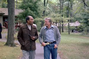 Le président égyptien Anouar el-Sadate et son homologue américain Jimmy Carter à Camp David aux États-Unis, lors du sommet avec Israël en septembre 1978.