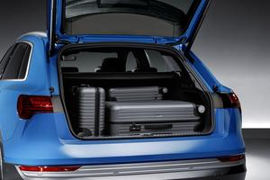 Avec un volume de près de 700 litres, le coffre autorise de longs déplacements en famille.