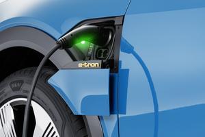Audi annonce une autonomie de 400 km selon la nouvelle norme WLTP, moins favorable que l'ancienne NEDC.