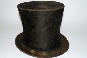 Le chapeau de la discorde.