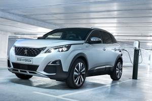 Peugeot annonce pouvoir recharger en moins d'1h45 la batterie sur une wallbox de 6,6 kW.