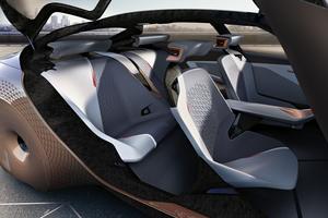 Conçus comme des lieux de vie épurés et chaleureux,les habitacles des véhicules de demain, chez tous les constructeurs, seront entièrement repensés et mettront en scène de nouvelles matières autour d'une interface homme-machine entièrement numérique.