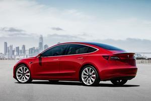 En termes de gabarit, la Model 3 est comparable à une BMW Série 3.