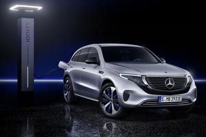 Mercedes EQC, la nouvelle étoile électrique Les lignes fluides du EQC sont proches du concept EQ vu au salon de Paris 2016. Autour d'une longueur de 4,76 m, ses formes classiques le feraient presque passer pour un dérivé du GLC, auquel il emprunte une grande partie de la plateforme. Il revendique une puissance de 408 ch et une autonomie de 450 km.