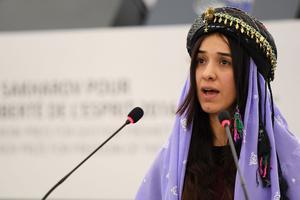 Nadia Murad lors de son discours pour le prix Sakharov de 2016.