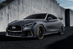Grâce à la double hybridation, ce coupé peut récupérer de l'énergie au freinage, mais aussi à l'accélération.