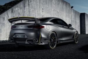La Q60 Black S demande moins de 4 secondes pour passer de 0 à 100 km/h.