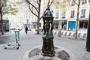 Place Gustave-Toudouze.
