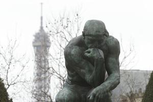 <i>Le Penseur</i> dans le jardin du musée Rodin (VIIe).