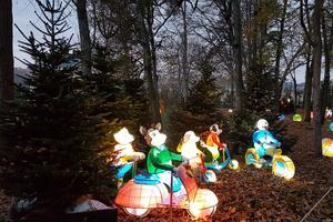 Le sentier de jouets-lanternes