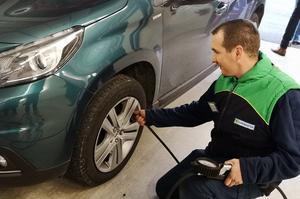Nous avons testé trois types de pneus: «hiver», «été» et «quatre saisons».
