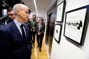 Franck Riester, le ministre de la Culture à l'exposition consacrée à Cabu, samedi 1er décembre 2018 à Châlons-en-Champagne.
