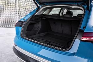 La capacité du coffre peut varier de 600 à 1 725 litres. À cela s'ajoute un espace de 60 litres à l'avant.