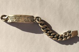Sur la gourmette repêchée au large de Marseille, l'inscription est nette: «Antoine de Saint-Exupéry (Consuelo)».