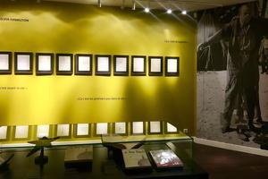 Nouvel accrochage onirique pour la Galerie Gallimard qui accueille les dessins et manuscrits de Saint-Exupéry.