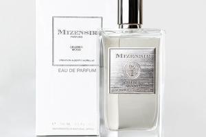 Celebes Wood de Mizensir, 190 €, le vapo 100 ml d'eau de parfum.