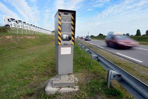 Radar installé sur la D34, entre Bruz et Chartres-de-Bretagne. La plupart des ces appareils ont été vandalisés à la suite du mouvement des «gilets jaunes».