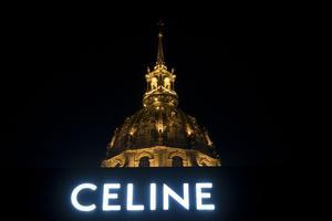 Décor du premier défilé Celine par Hedi Slimane aux Invalides, lors de la Fashion Week printemps-été 2019.