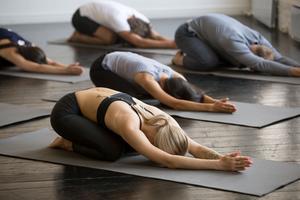 Yoga Détox à l'Usine Opéra (IIe).