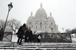 Au pied du Sacré-Cœur dans  la matinée de mardi, à Paris.