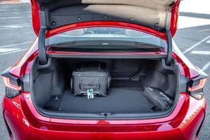 Avec un volume de 340 litres, le coffre offre une capacité convenable, sans plus.