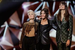 Jeanne Added, Camelia Jordana et Clara Luciani ont rendu un hommage à Charles Aznavour lors des 34e Victoires.