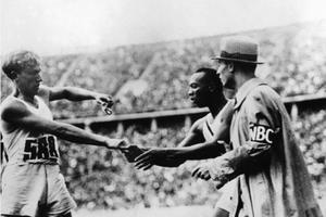 Lutz Long et Jesse Owens / Panoramic