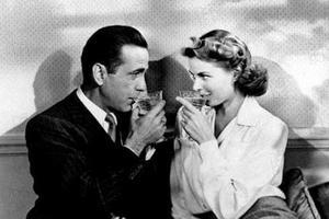 Dans «Casablanca», Humphrey Bogart et Ingrid Bergman incarnent les retrouvailles inattendues d'un exilé avec l'amour de sa vie.