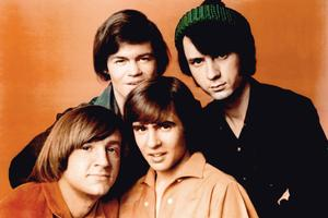 Avec les Beatles, le quatuor The Monkees est le précurseur des boys bands.