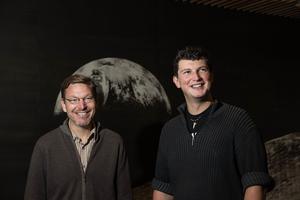Mike Brown, à gauche, et Konstantin Batygin, à droite.